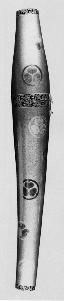 梨地葵紋金貝蒔絵刀筒